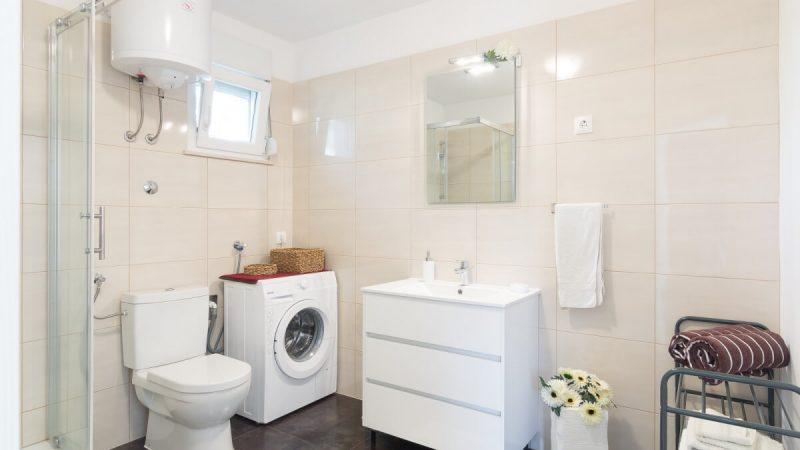 bathroom - DSC04696_1600x1114
